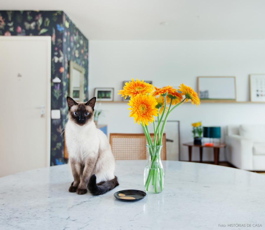 03-decoracao-apartamento-integrado-flores-papel-de-parede