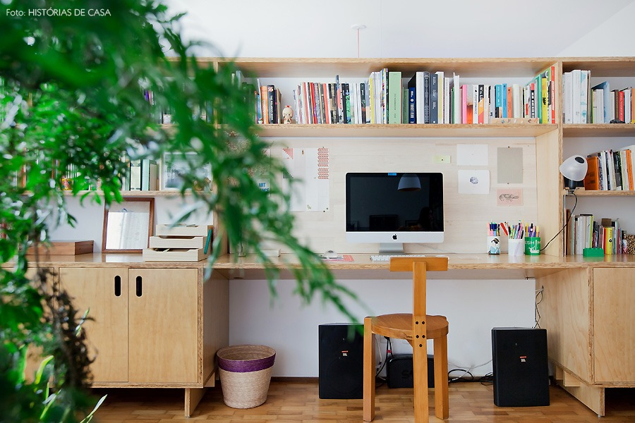 13-decoracao-escritorio-home-office-compensado-estante