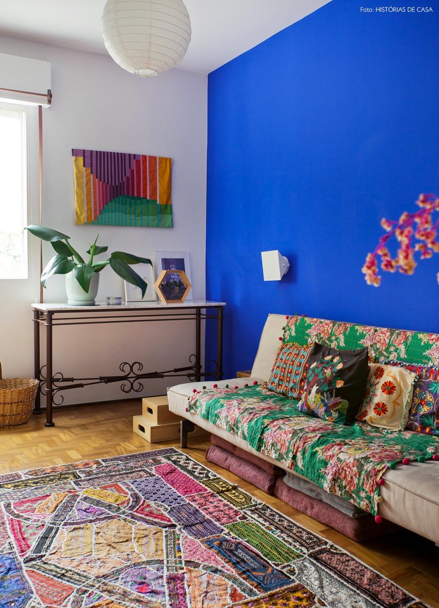 30-decoracao-quarto-estampas-parede-azul-cores