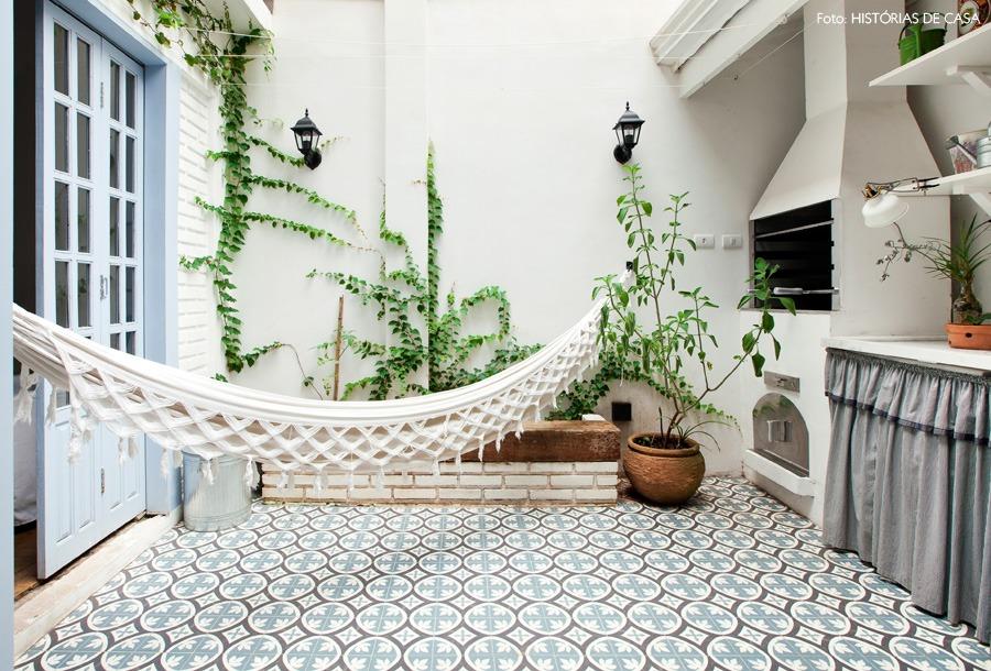 11-decoracao-churrasqueira-terraco-plantas-tijolinho-branco