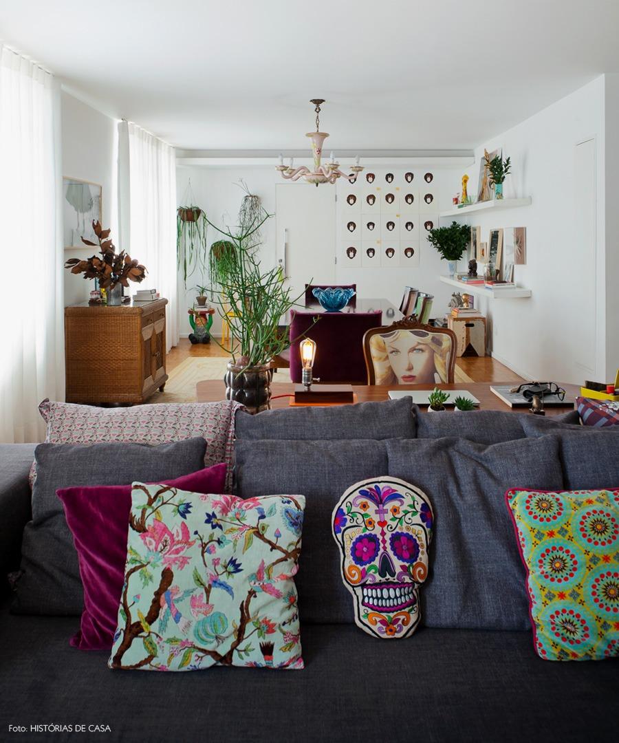 35-decoracao-sala-estar-jantar-integrada-almofadas-coloridas