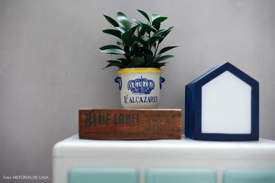 50-decoracao-banheiro-ladrilho-hidraulico-luminaria