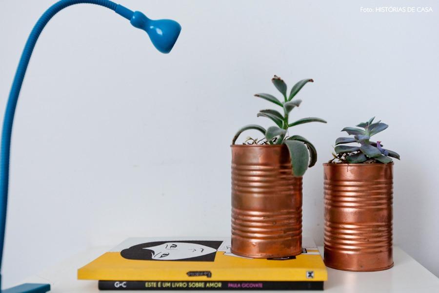 30-decoracao-quarto-suculentas-plantas-vaso-lata-pintada
