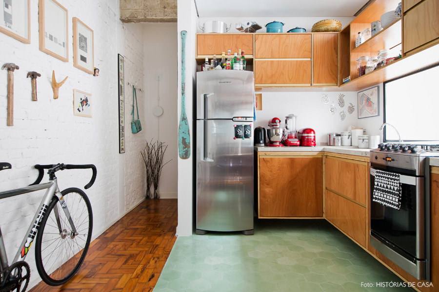 08-decoracao-cozinha-piso-ladrilho-hidraulico-hexagonal-verde