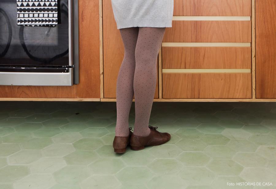 14-decoracao-cozinha-retrato-lena-mattar-ladrilho-hidraulico-verde