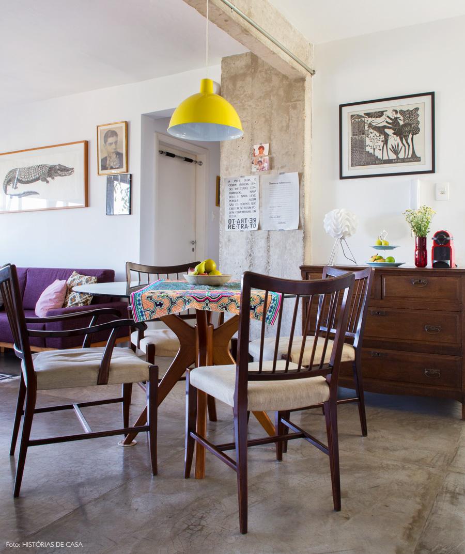 22-decoracao-sala-jantar-pequena-mesa-redonda-integracao-pendente-amarelo