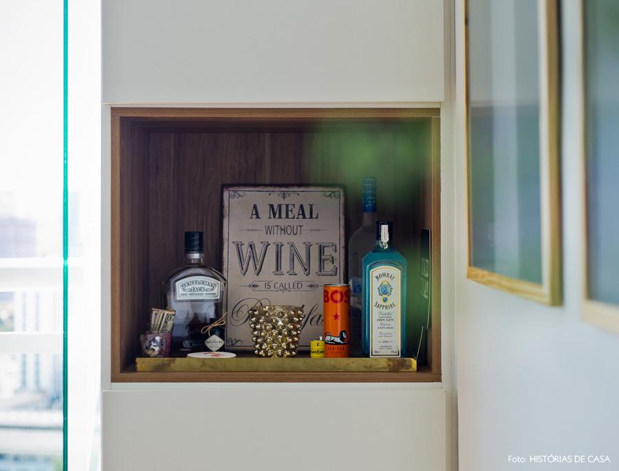 34-decoracao-armario-marcenaria-nicho-madeira-bar