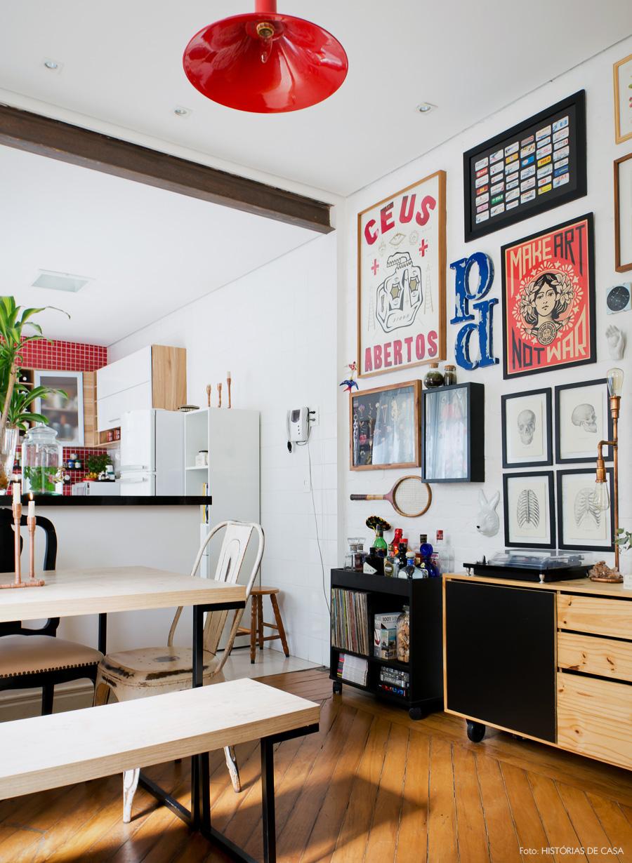 11-decoracao-sala-jantar-integrada-cozinha-americana-vermelha
