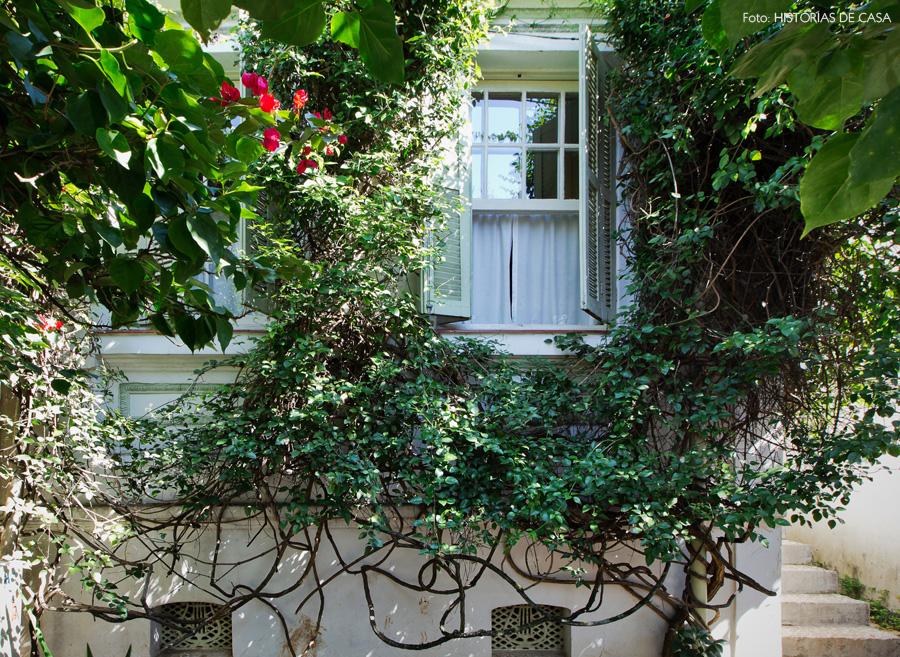 02-decoracao-casa-fachada-trepadeiras-primavera-plantas