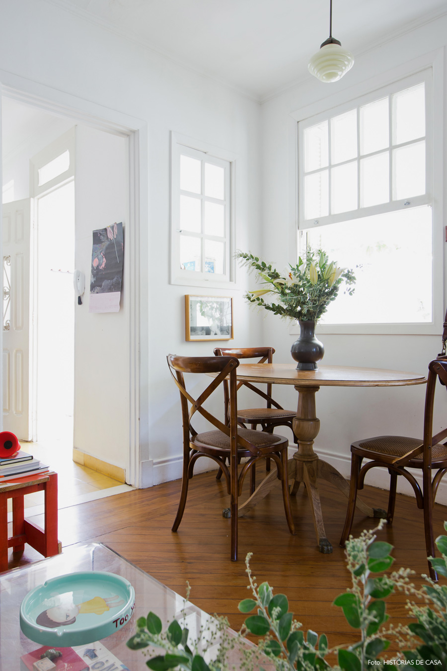 16-decoracao-casa-antiga-sala-jantar-mesa-thonet