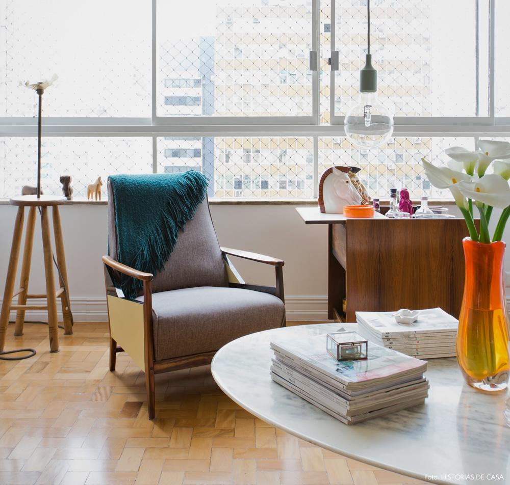 14-decoracao-sala-estar-poltrona-vintage-carrinho-bar