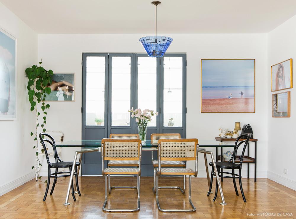 15-decoracao-sala-jantar-porta-cinza-galeria-quadros