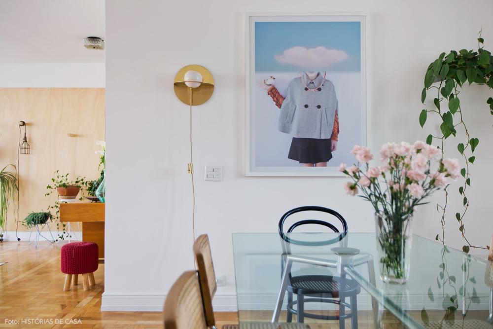 19-decoracao-sala-jantar-quadros-plantas-mesa-vidro-palhinha