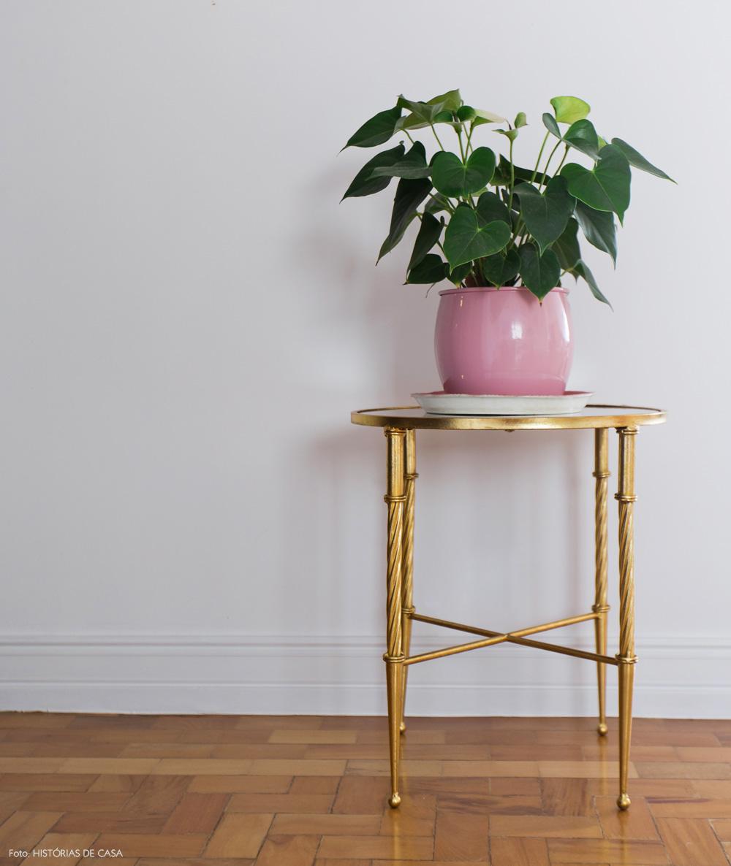 20-decoracao-dourado-rosa-vaso-selvvva-mesinha-plantas