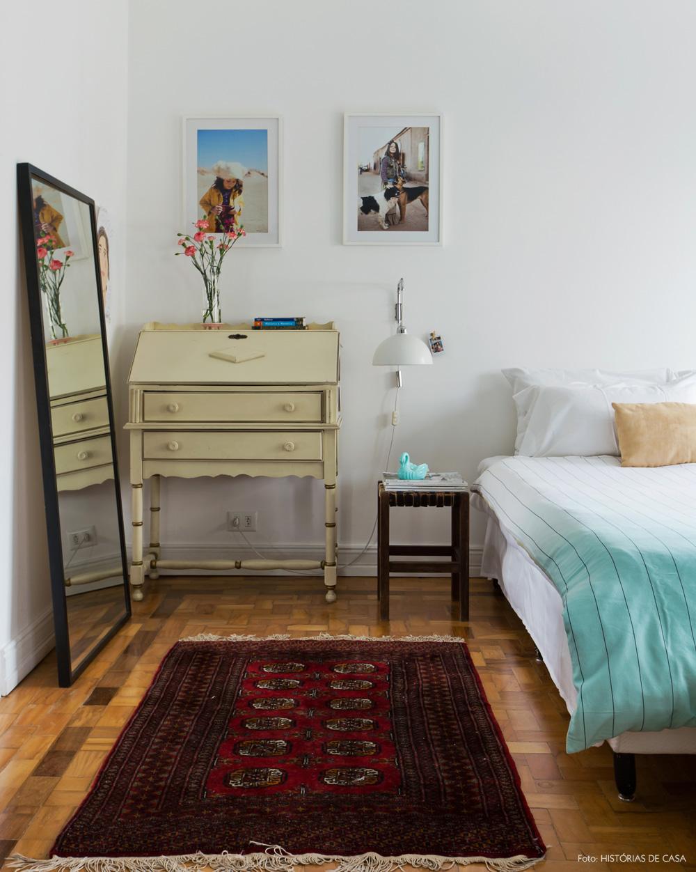34-decoracao-quarto-casal-escrivaninha-antiga-moveis-vintage