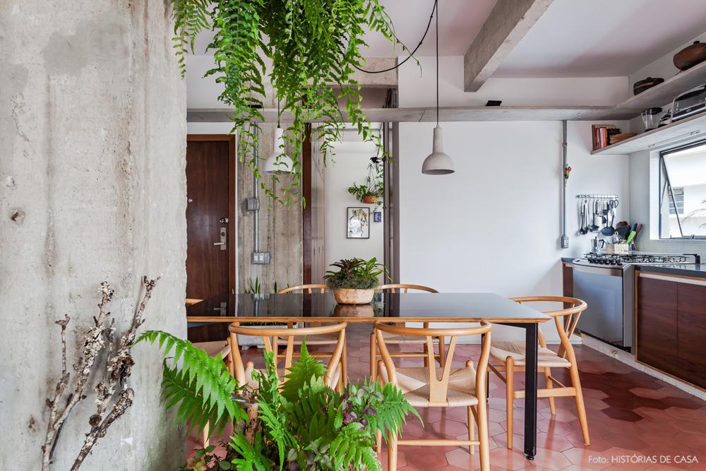 22-decoracao-apartamento-integrado-sala-jantar-piso-cor-de-rosa