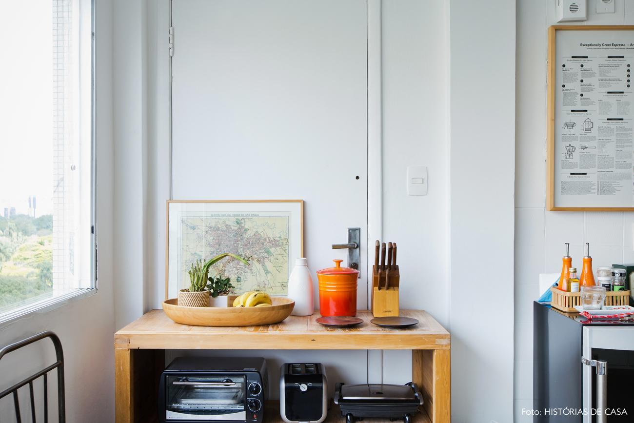 22-decoracao-cozinha-detalhes-coloridos-madeira-rustica