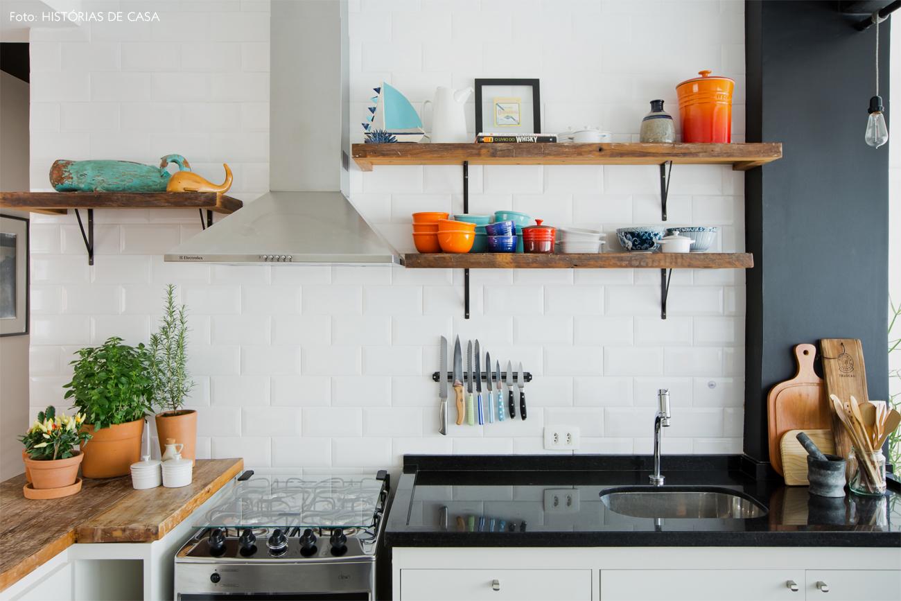 24-decoracao-cozinha-aberta-madeira-demolicao-subway-tiles