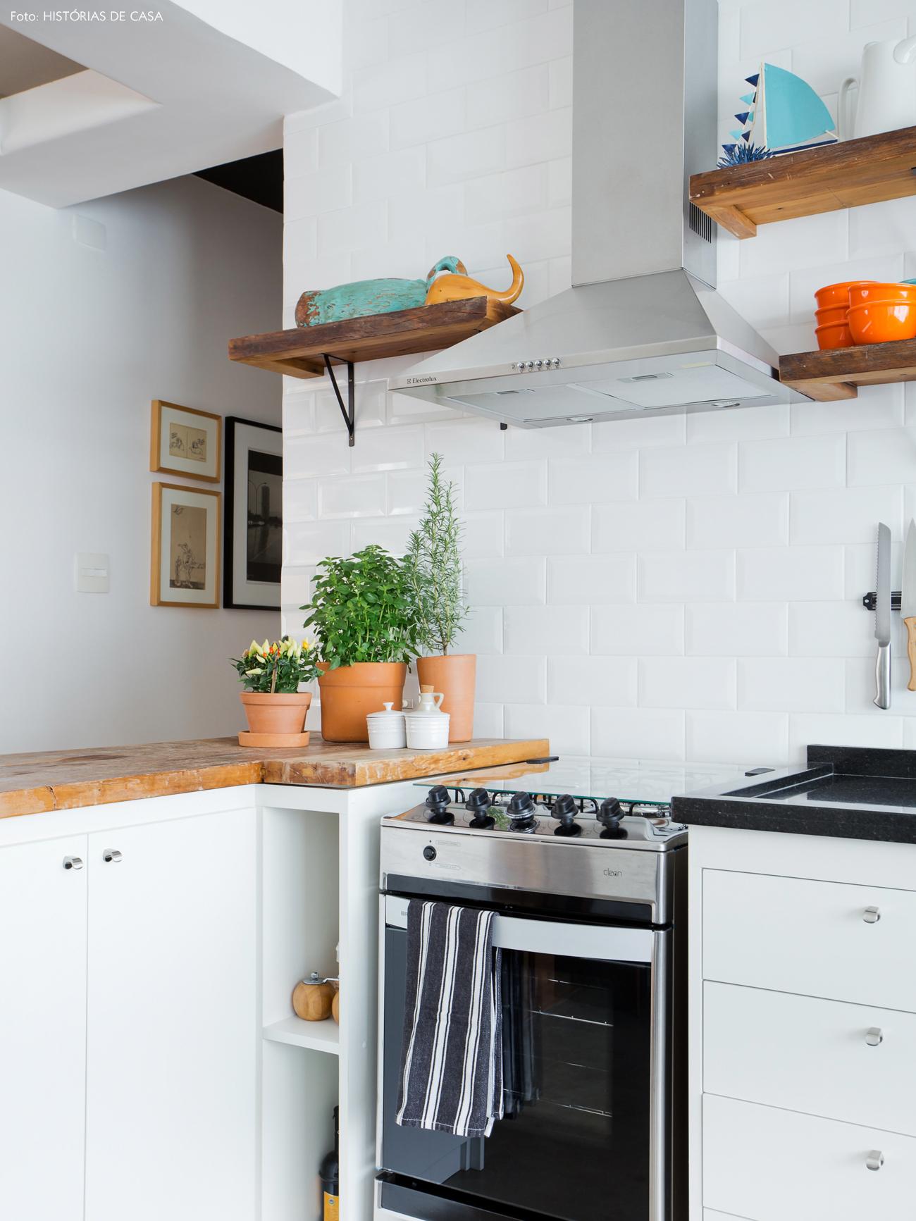 26-decoracao-cozinha-aberta-madeira-demolicao-subway-tiles