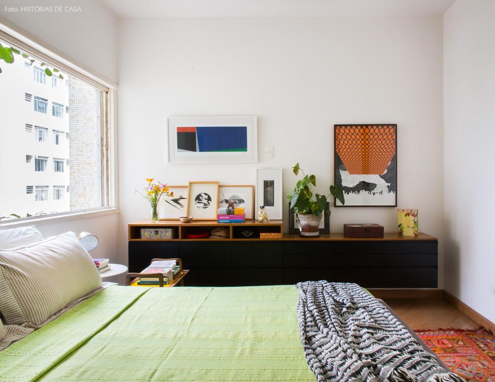 34-decoracao-quarto-colorido-buffet-preto-quadros-marcenaria