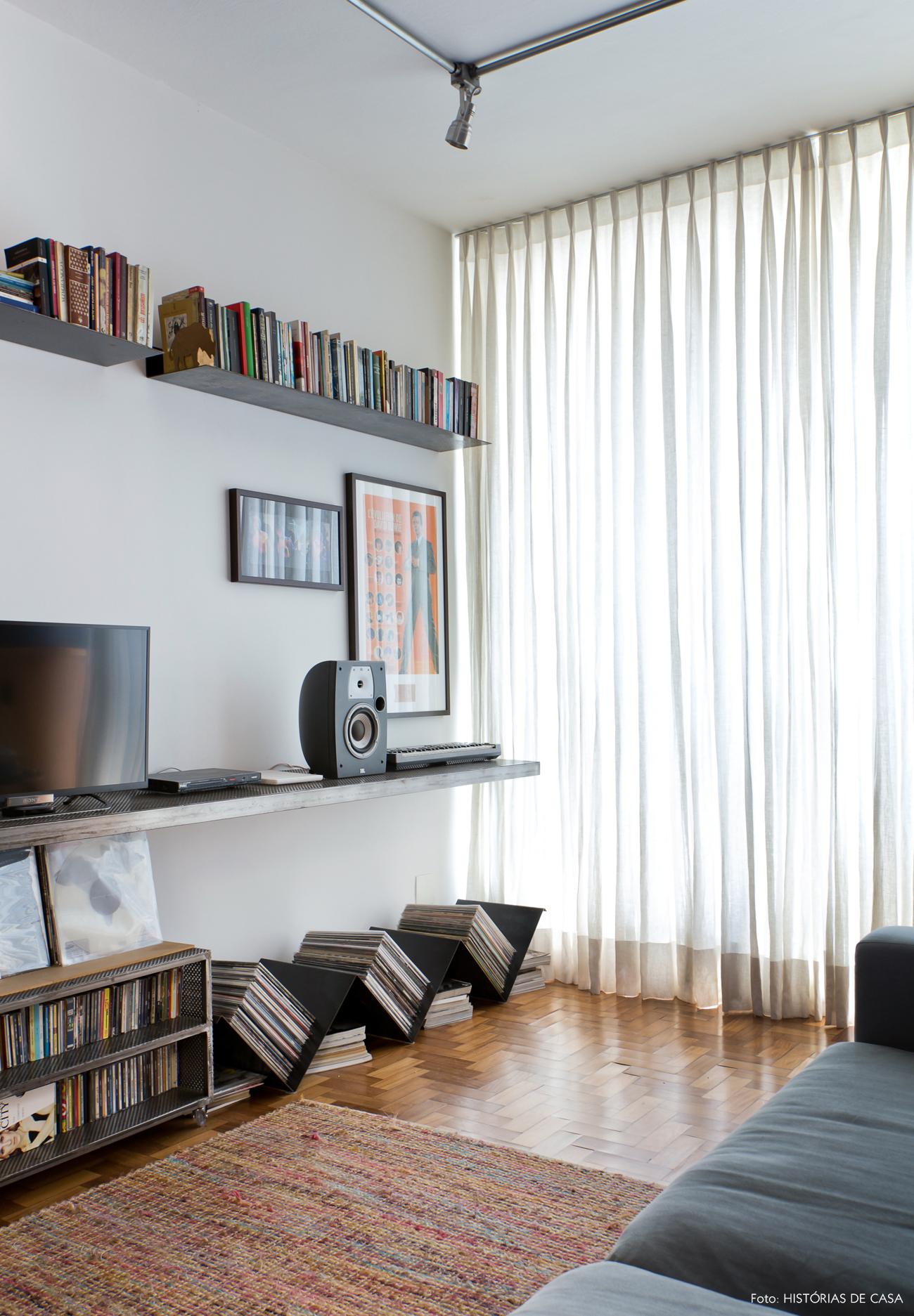 22-decoracao-sala-estar-colecao-discos-de-vinil-movel-metal
