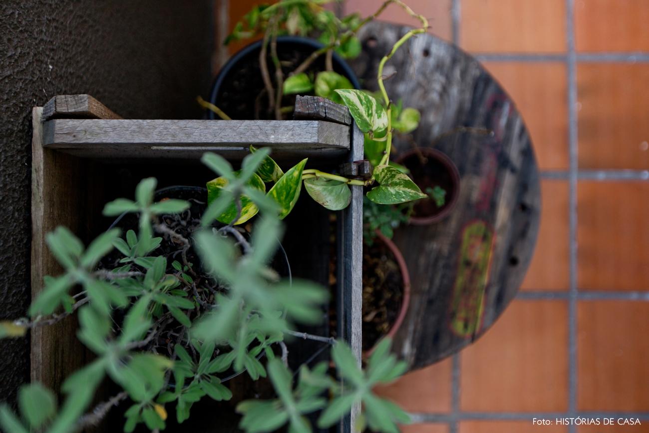 34-decoracao-jardim-dos-fundos-horta-caseira-caixotes
