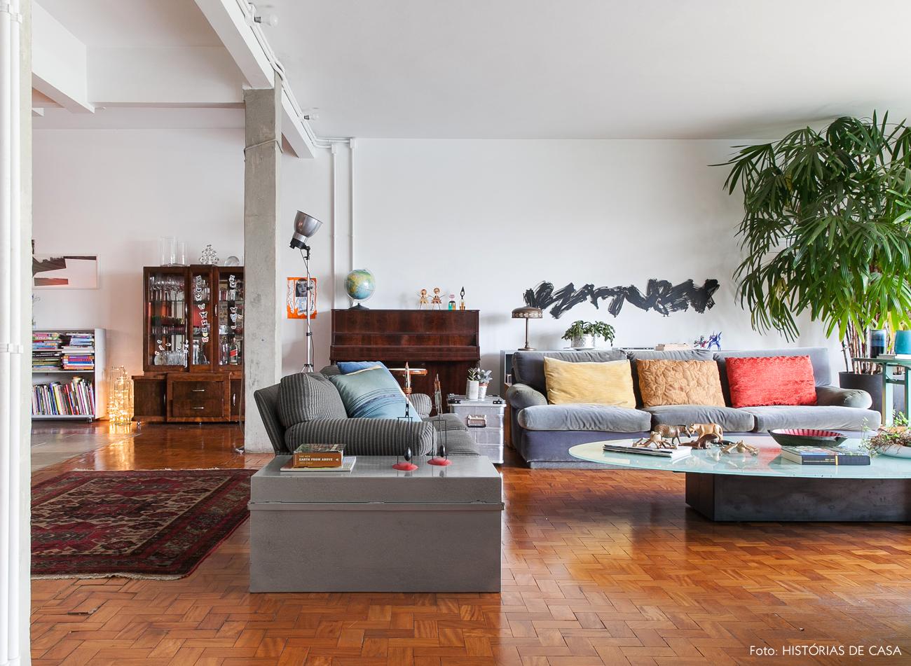 01-decoracao-sala-estar-integrada-pilares-concreto