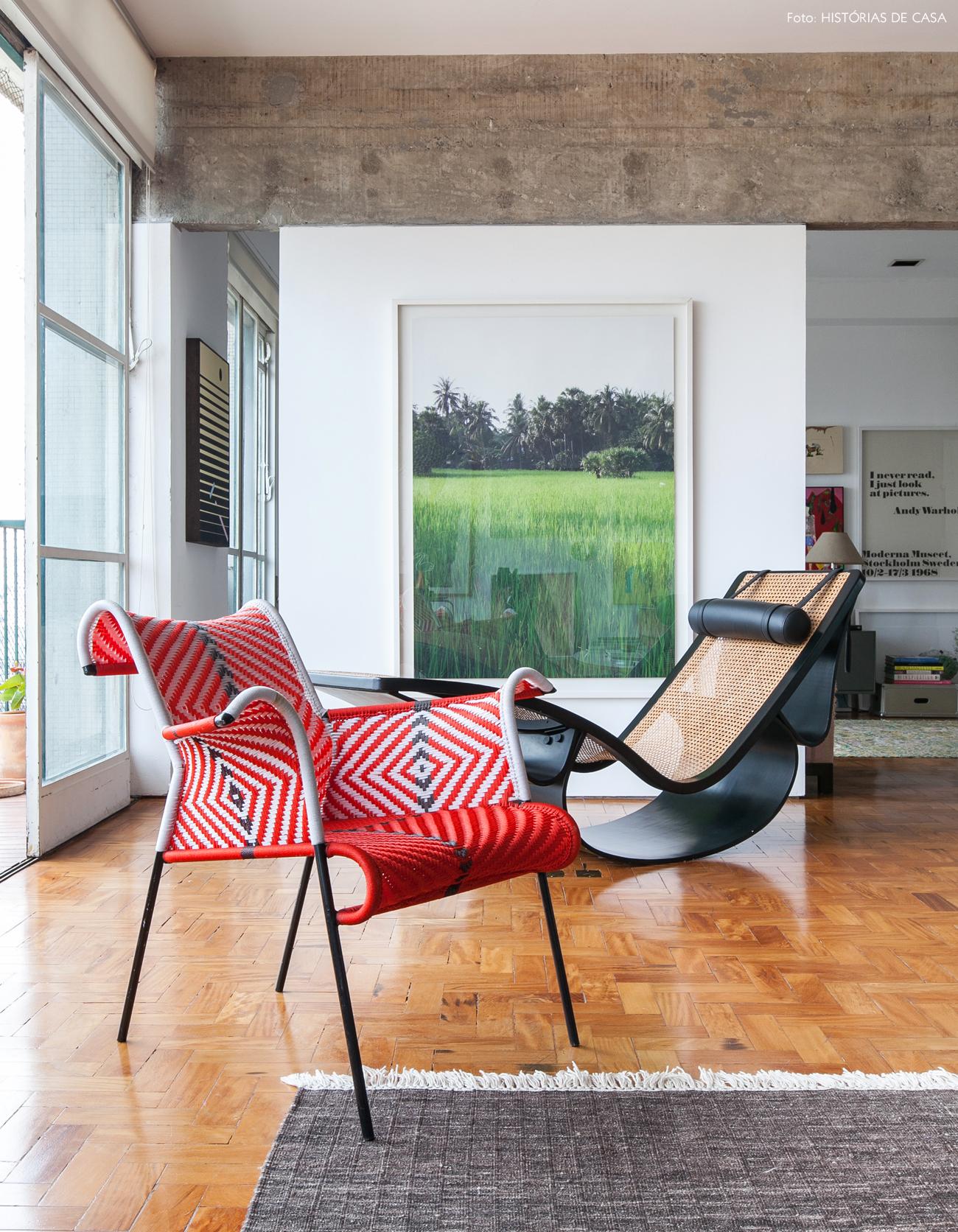 06-decoracao-sala-integrada-concreto-chaise-oscar-niemeyer