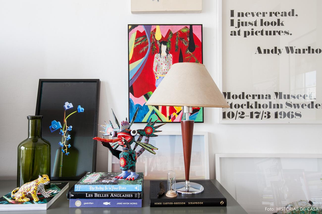 29-decoracao-apartamento-sala-tv-detalhes-quadros