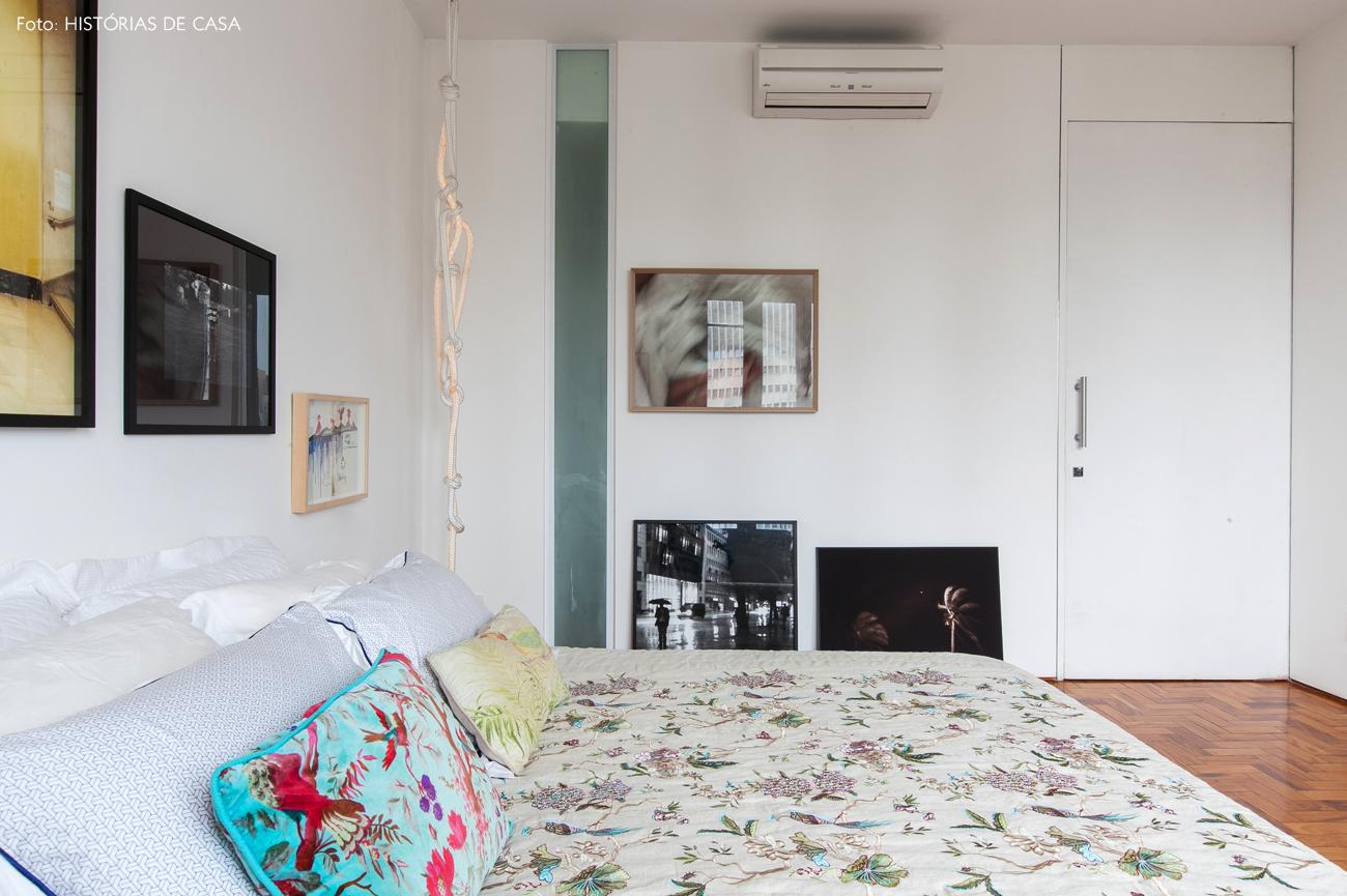 32-decoracao-apartamento-quarto-parede-quadros-branco