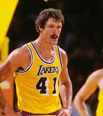 Nater en los Lakers