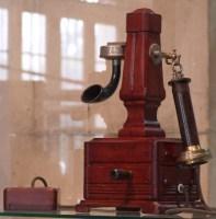 Teléfono Siglo XIX (Archivo Museo ETECSA)