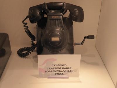 Teléfono Mural con magneto 2738 A Standard Eléctrica