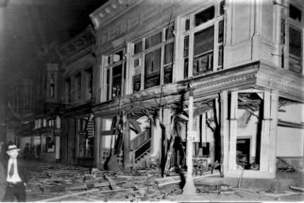 Bombing_of_Clark_Theatre__1931