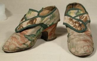 Brocade shoe 1730 - 40