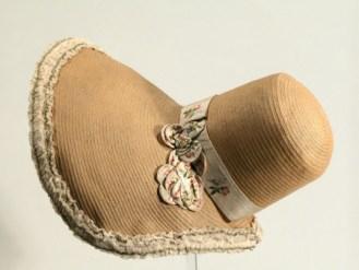 Leghorn bonnet 1830 - 35