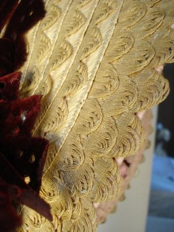 Detail of scalloped edge straw plait bonnet, 1840s.