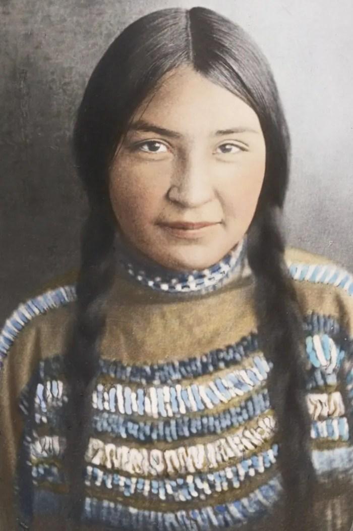 Portrait of a Blackfeet Nation Native American woman, circa 1900.