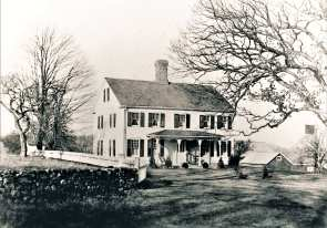 "35 Old Oak. Issac Bennett House. Built by Captain Nathaniel Seeley late 1700's. ""Ye Olde Oak"" still stands in front."