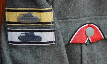 Panzer Destruction badges on same LB officer Bluse. Order Catalog for http://soldat.com/ or Soldat FHQ on Facebook.