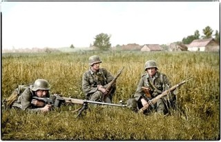 "German soldiers with a Panzerbüchse 39 ""tank hunting rifle model 39"" on the Eastern Front, 1941."