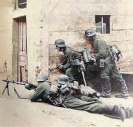 MG 34 team.
