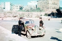 Two soldiers of Schwere Panzer-Abteilung 508 used their spare time for sightseeing in Rome (Italy) with their staff car, 20 February 1944.