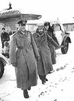 Paulus (left), and his aides Col. Wilhelm Adam (right) and Lt.-Gen. Arthur Schmidt (middle), after their surrender in Stalingrad.