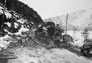 Soldiers of the Wehrmacht fighting in Norway.