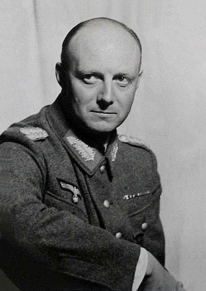 """Herrmann Karl Robert """"Henning"""" von Tresckow"""