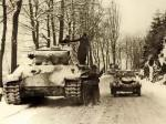 Panther with a Kublewagen next to it during the winter campaign.