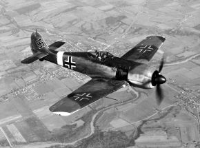 A captured Fw 190A-4. The USAAF-painted Balkenkreuz and swastika markings are of nonstandard size and proportions.