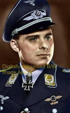 Alfred Druschel as Major.