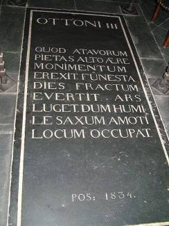 Grave of Otto III. in the Aachen Cathedral.